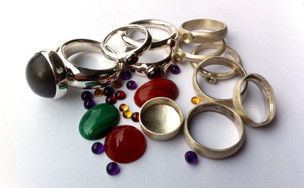 Stone Setting Rings and gemstones